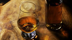 Comment boire du rhum arrangé?